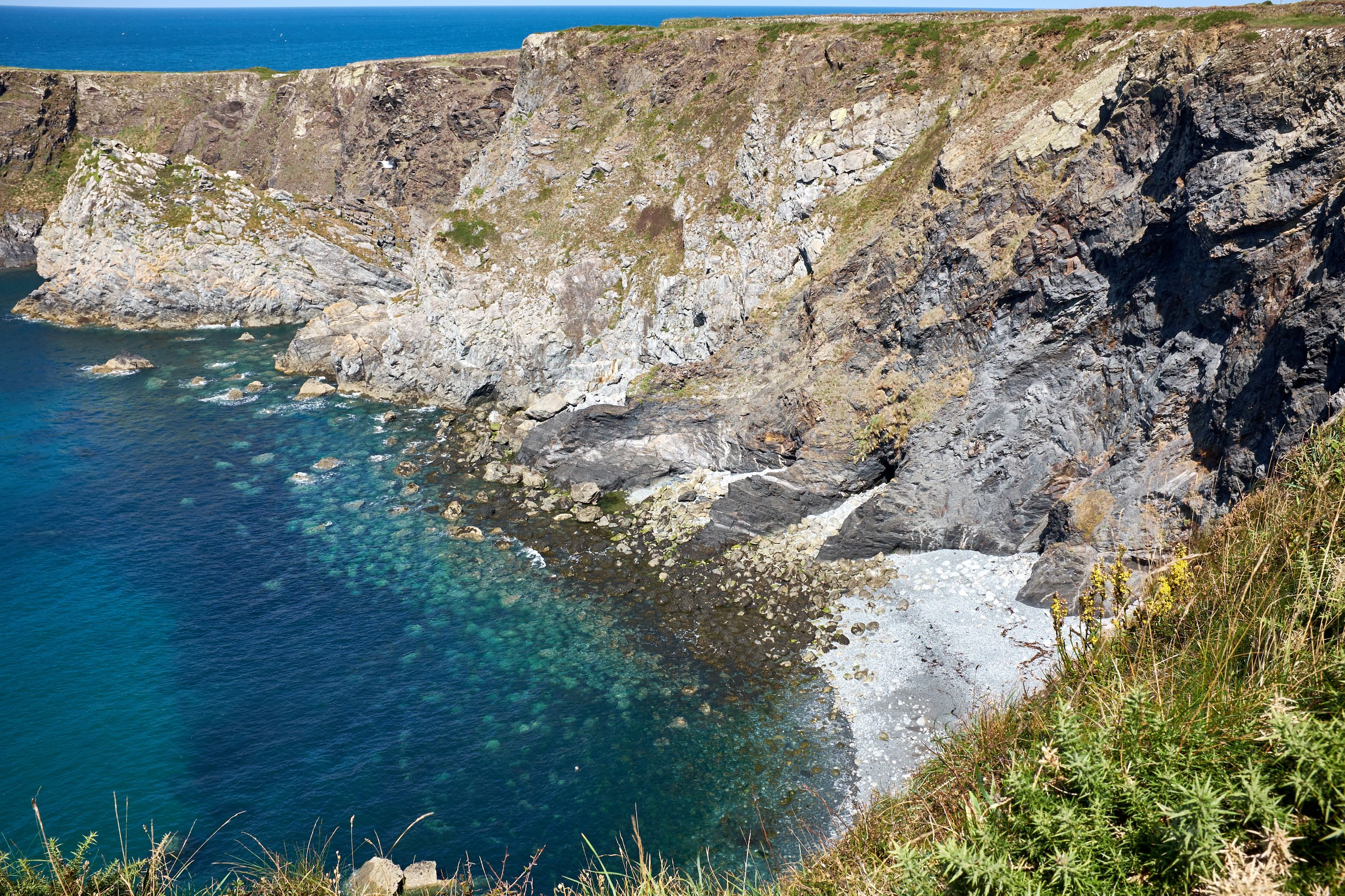 trefin to abercastle coast path